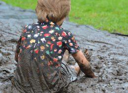 moddervlekken uit kleding verwijderen